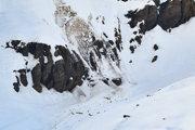 Záchranári zasahujú vo švajčiarskom lyžiarskom stredisku Crans-Montana.
