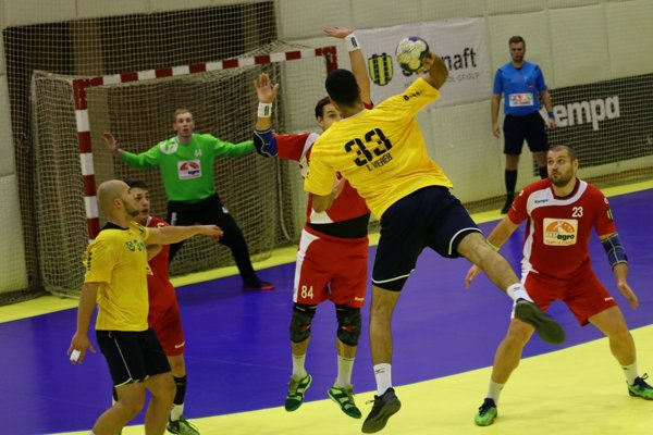 Záber z predchádzajúceho zápasu Topoľčany - Nové Zámky.