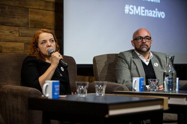 V diskusii denníka SME debatovali šéfredaktorka SME Beata Balogová a šéfredaktor Aktuality.sk Peter Bárdy.