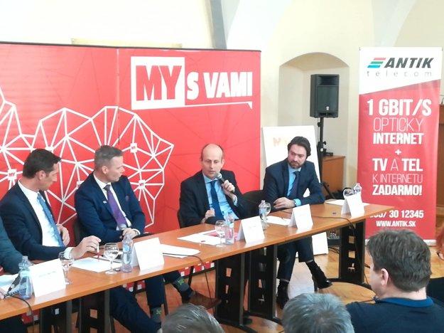 Diskusia so županom Milanom Majerským.