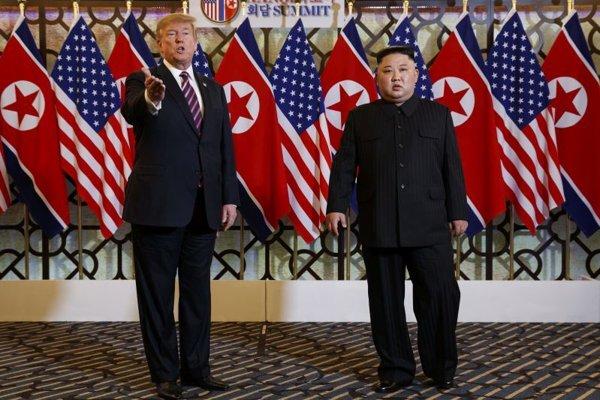 Prezident Spojených štátov Donald Trump a Kim Čong-un.