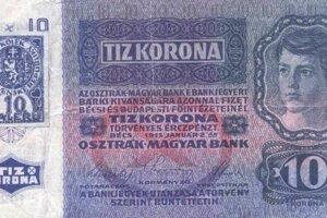 Prekolkovaná desaťkorunová rakúsko-uhorská bankovka.