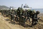 Južná Kórea a Spojené štáty začali spoločné vojenské cvičenie.
