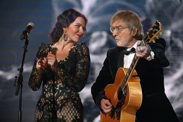Miro Žbirka so speváčkou Katarínou Knechtovou.