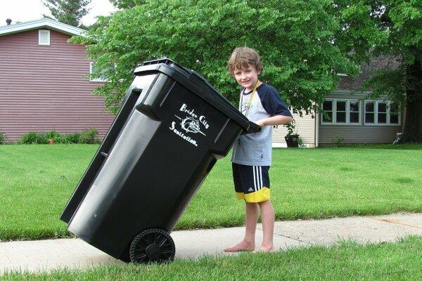 Poplatok za komunálny odpad je vyrubený pre rok 2019 v zmysle platného VZN o poplatku.