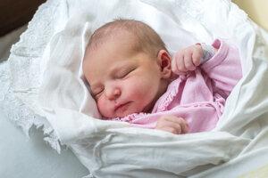 Jasmína Máleková (3760 g, 52 cm) sa narodila 22. februára Veronike a Jozefovi z Nového Mesta nad Váhom.