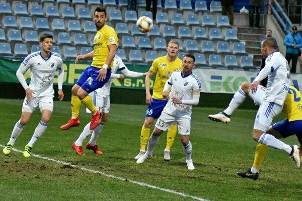 Futbalisti Popradu musia rýchlo preladiť na druholigovú súťaž, čaká ich silná Skalica.
