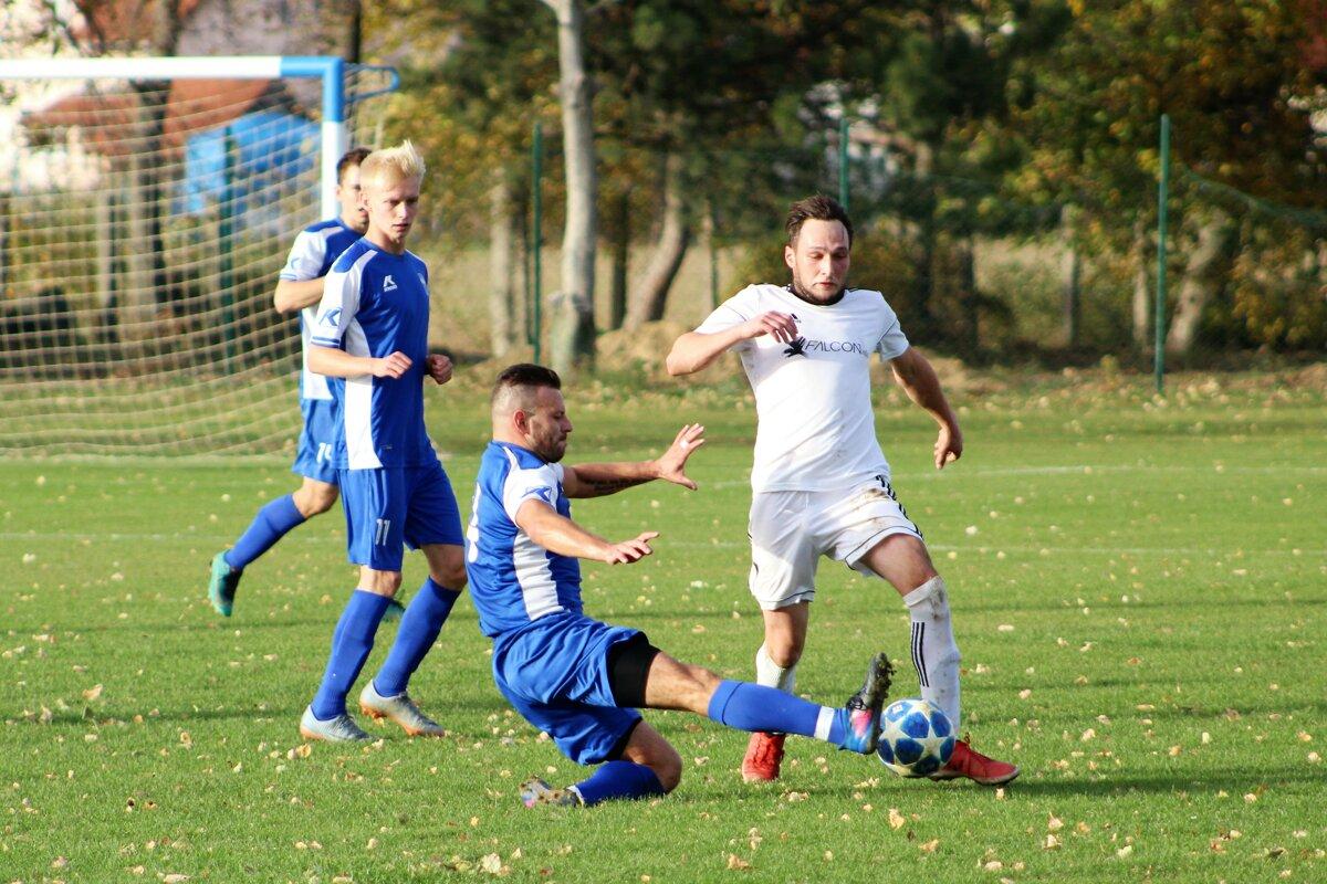 d4a50c39444bd Kam za futbalom: Cez víkend štartujú aj oblastné súťaže - SME | MY ...