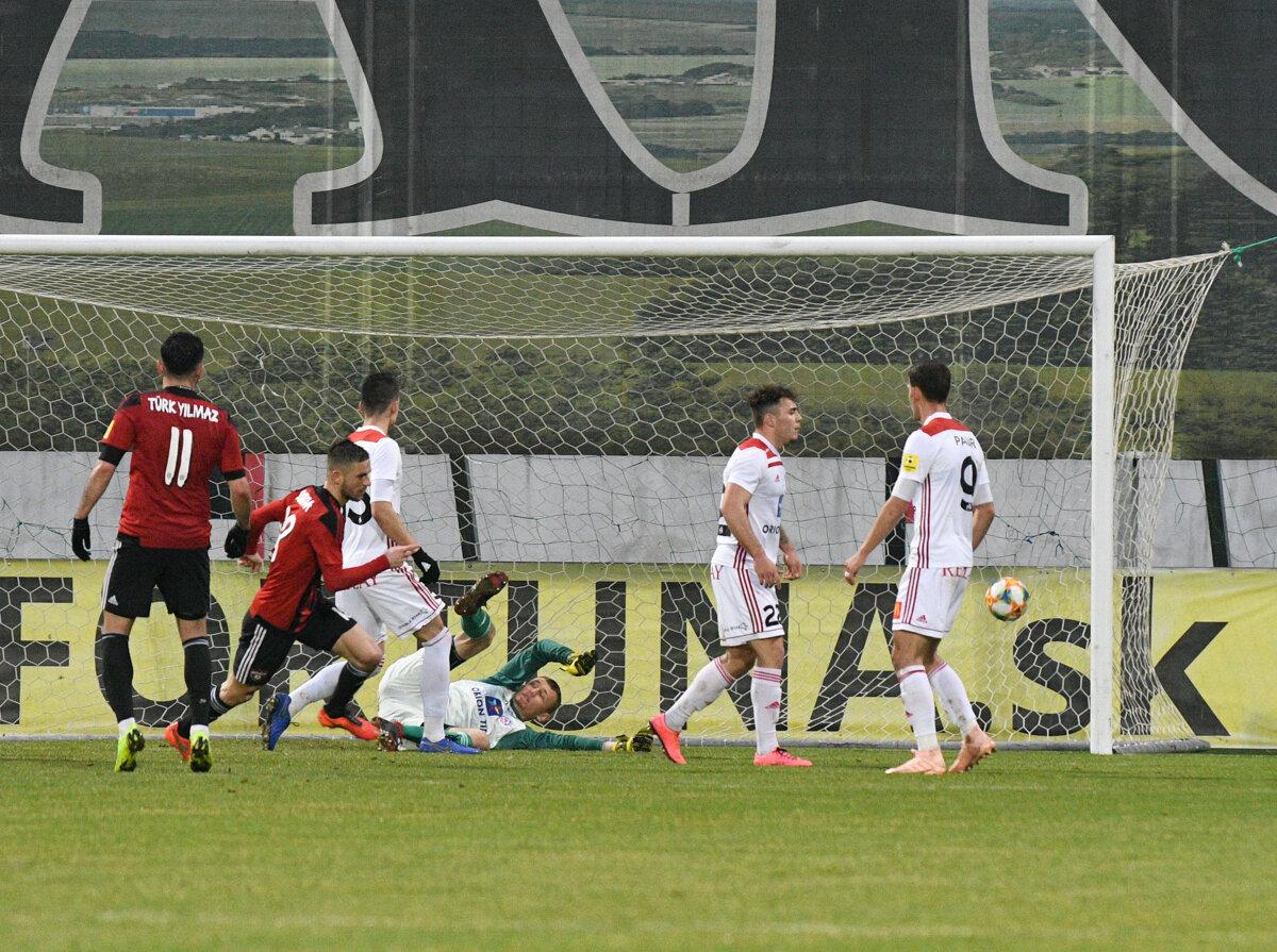 a0307d0390 Anton Sloboda rozhoduje zápas Trenčín - Trnava.