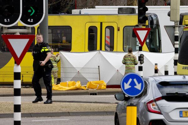 Uzavreté miesto útoku v električke v Utrechte