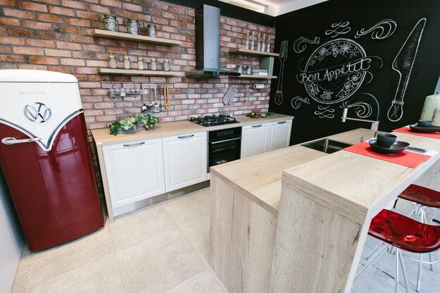 Príklad kuchyne, ktorá je prispôsobená zero waste štýlu.