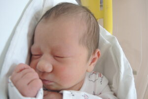 Amy Ciganová (3100 g, 49 cm) sa narodila 13. marca Soni a Petrovi z Bánoviec nad Bebravou.