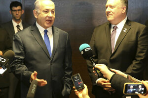 Izraelský premiér Benjamin Netanjahu (vľavo) a americký minister zahraničných vecí Mike Pompeo.