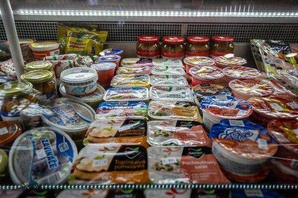 Niektorí výrobcovia ponúkajú potraviny s odlišným zložením, iní majú rovnakú receptúru.