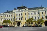 Nitrianska galéria sídli na Župnom námestí pod hradom.