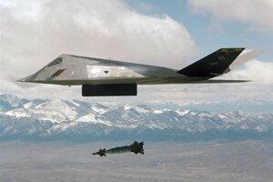 Lietadlo F-117 Nighthawk, aké sa zrútilo neďaleko Belehradu 27. marca 1999 počas útoku na Juhosláviu.