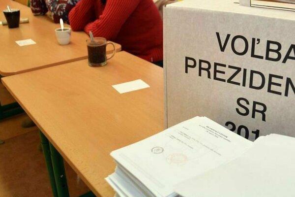 V Turzovke prichádzajú zatiaľ voliť najmä mladí ľudia.
