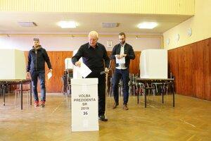 Karol Steklý chodieva voliť pravidelne aj napriek vysokému veku.
