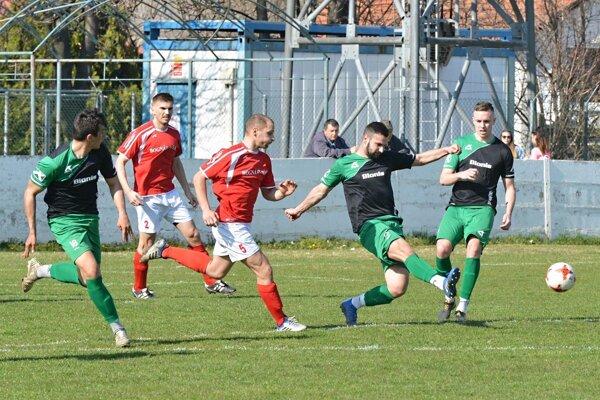 Obidva góly Nededu strelil Martin Bocian (druhý sprava).