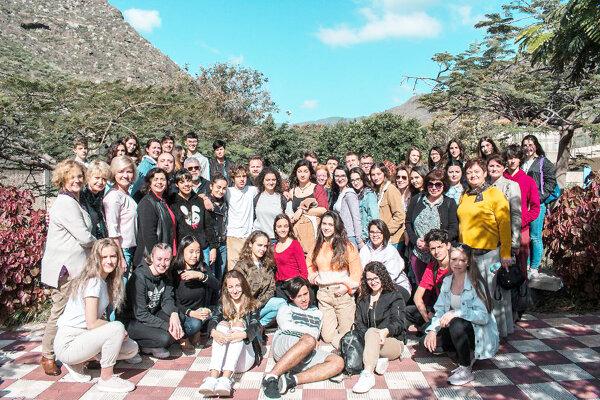 Účastníci vzdelávacieho zájazdu si naplno vychutnali februárové teplo na Kanárskych ostrovoch.