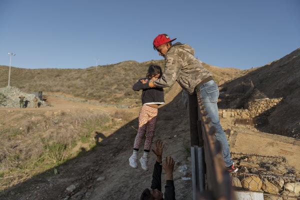 Zatvorenie hranice môže ešte podporiť nelegálnnu migráciu.