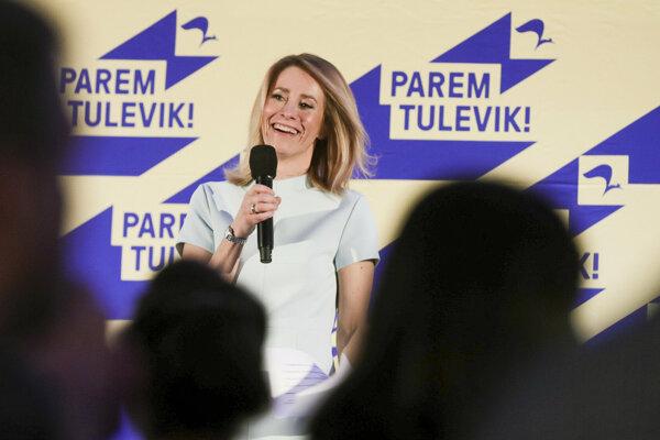 Opozičná Estónska reformná strana (ER) zvíťazila v nedeľňajších parlamentných voľbách v Estónsku. Reformná strana bývalej europoslankyne Kaje Kallasovej (na snímke) získala 28,8 percenta hlasov, čo jej zabezpečilo 34 zo 101 kresiel v novom parlamente (Riigikoku).