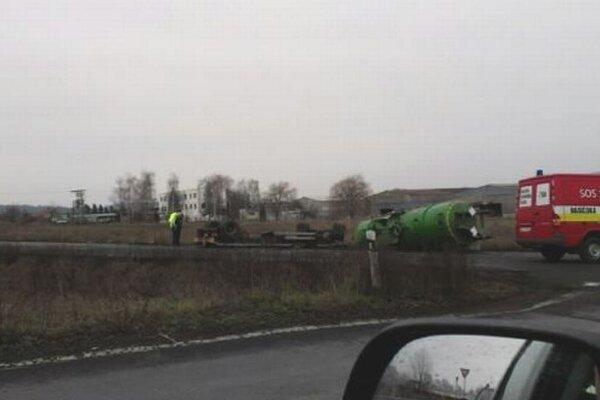 Hrozivá nehoda si našťastie nevyžiadala žiadne obete.