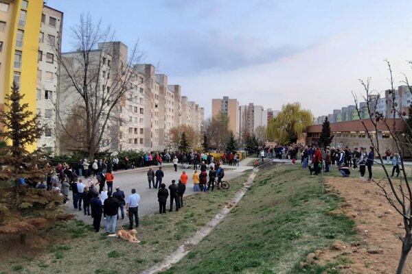 Obyvatelia Sídliska KVP protestujú proti plánovanej výstavbe.