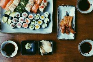 V japonskom zelenom chrene wasabi, ktorý sa podáva napríklad k tradičnému sushi.