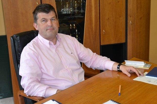 Riaditeľ Ivan Mokrý tvrdí, že investície do techniky umožnia zrýchliť procesy.
