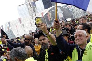 Demonštranti v žltých vestách opäť vyšli do ulíc.