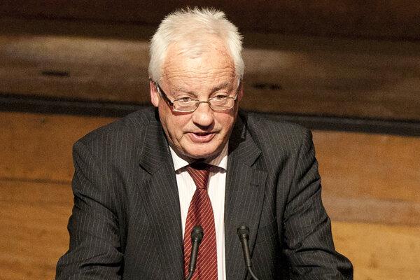Komisiu bude viesť sudca najvyššieho súdu William Young.