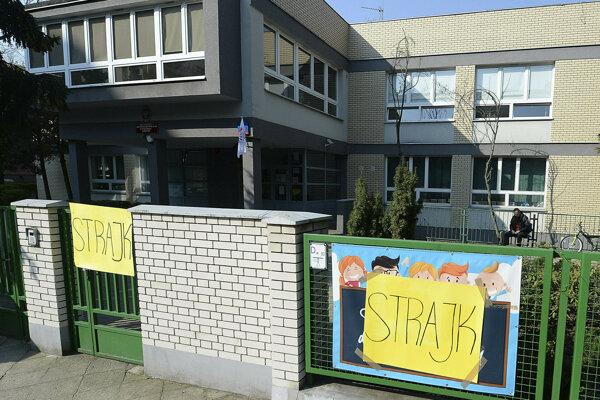 Viaceré školy zostali v Poľsku zatvorené.