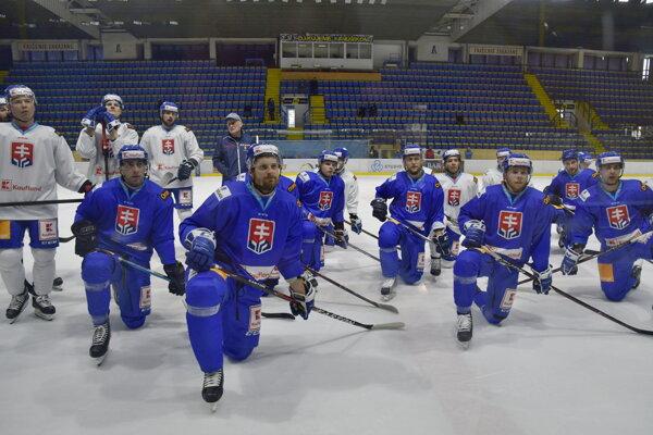 Na snímke tréning slovenskej hokejovej reprezentácie pred prípravným zápasom so Švédskom. V Piešťanoch, 1. apríla 2019.