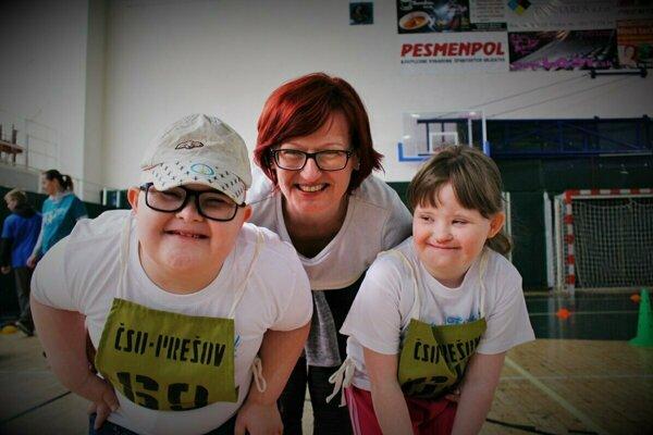 Aj deti s Downovým syndrómom si radi zašportujú.