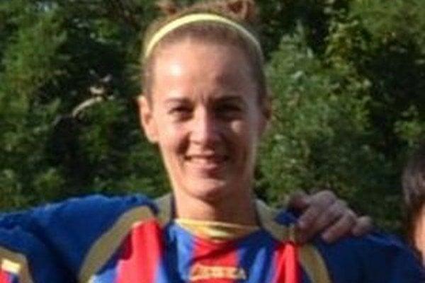 Radana Árvaiová, kapitánka ženského tímu LAFC má pod palcom aj žiačky tohto klubu.
