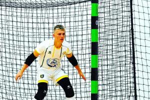 Mladý Levičan Kevin Kollár sa okrem Futsal Teamu Levice uchytil aj pri reprezentácii, kde je brankárskou jednotkou.