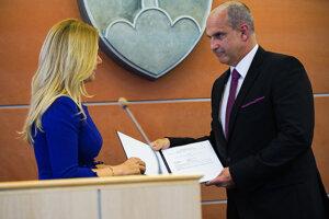 Ministerka vnútra Denisa Saková vymenovala Milana Lučanského za policajného prezidenta.
