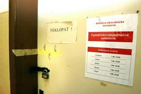 Poltár opäť pre pacientov zatvárajú.