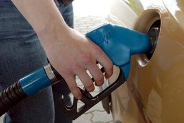 Vývoj cien pohonných látok na svetových trhoch spôsobil, že zdražovať sa bude aj na Slovensku.