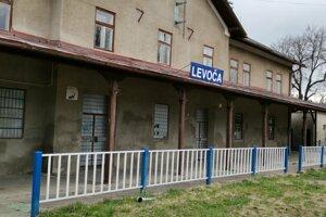 Železničná stanica v Levoči, v súčasnosti zíva prázdnotou.