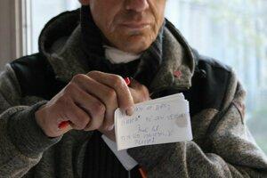 Poškodený Pavol P. mal problém z hlasom, svoje stanovisko napísal na kus papiera.