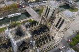 Letecké zábery ukázali skazu katedrály Notre-Dame