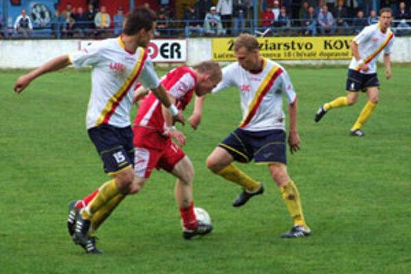 Zverenci Jozefa Škrlíka sa tešili zo zisku troch cenných bodov.