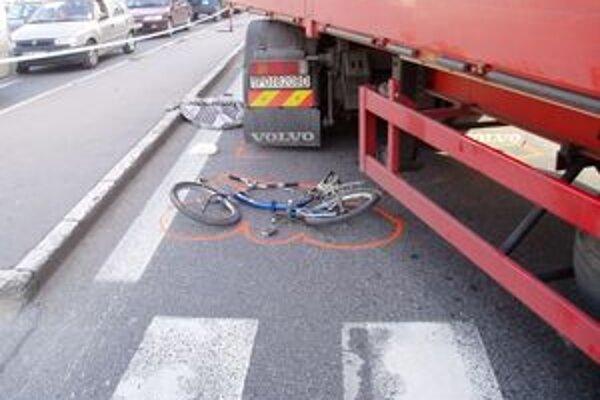 Vlani zahynulo na cestách 21 cyklistov, 12 z nich si smrť spôsobili vlastným zavinením.