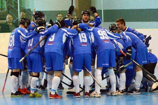Martin postúpil do semifinále slovenskej hokejbalovej extraligy.