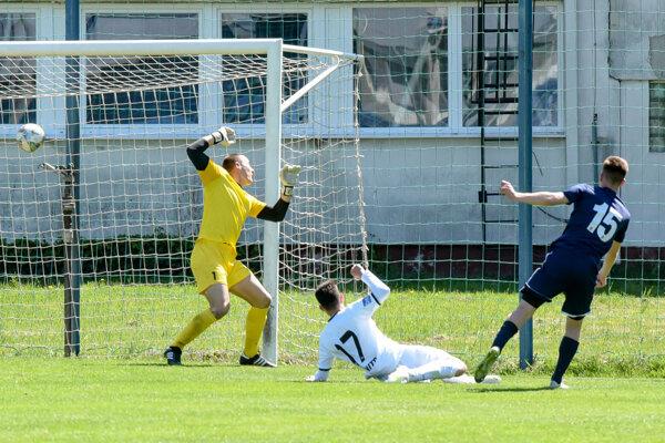 Jediný gól zápasu Nitra jun. - Kalná n/Hr. strelil Roland Peseky, bývalý dorastenec FC Nitra.