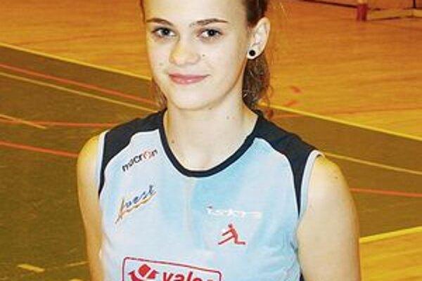 Lucia Tokárová by mala patriť medzi kľúčové hráčky juniorského tímu hnúšťanskej Iskry.