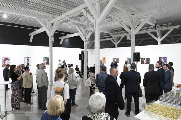 Slávnostné otvorenie výstavy fotografií Vladika Zibrova pod názvom Obrátená strana fotografie v rámci piateho ročníka podujatia Dni Ukrajiny 2019 v Košiciach
