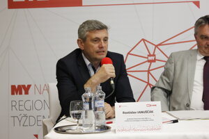 Rastislav Januščák, predseda Dozornej rady HBP, a.s., riaditeľ pre stratégiu a vonkajšie vzťahy